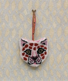 Doing goods pinky leopard hanger