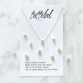 Tuttebel initial letter ketting zilver