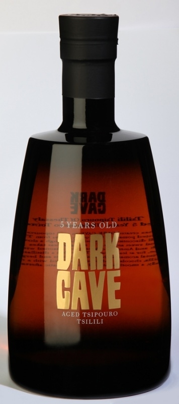 Tsipouro Dark-Cave-Aged   700 ml.   ( 18+ )