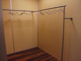 Rvs garderobe na uw eigen ontwerp