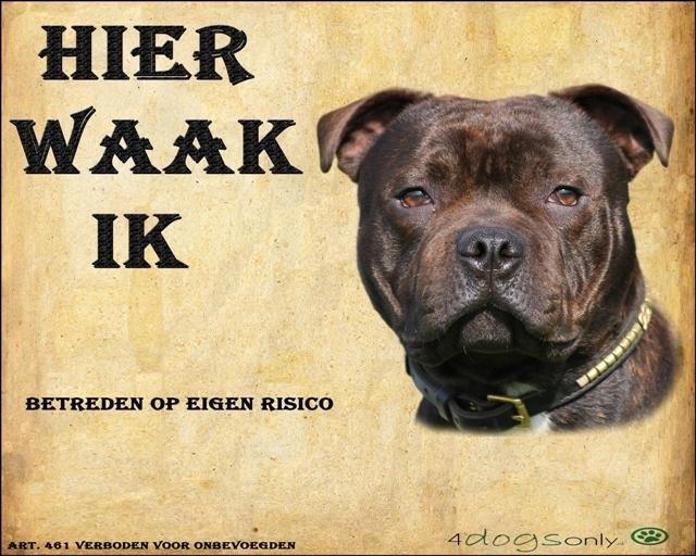 Waakbord Engelse Staffordshire Bull Terriër Brindle (Nederlands) (01) Per set van 2 waakborden UITVERKOCHT
