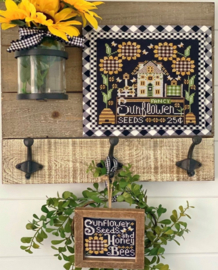 Stitching with the Housewives - Calendar Crates - August