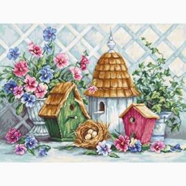 Luca-S - Garden Nesting