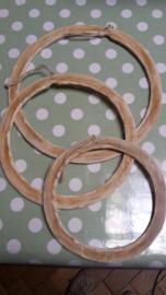Houten kadertje rond (diam. 24 cm)