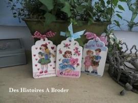 Des Histoires à broder - Etiquettes petits cadeaux (kit)