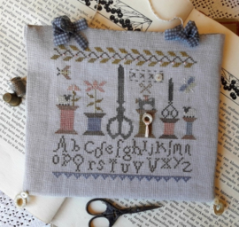 Nikyscreations - Stitcher Sewing Sampler