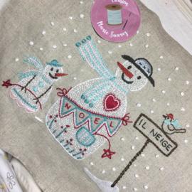 Marie Suarez - Il neige (borduren/stitchery)