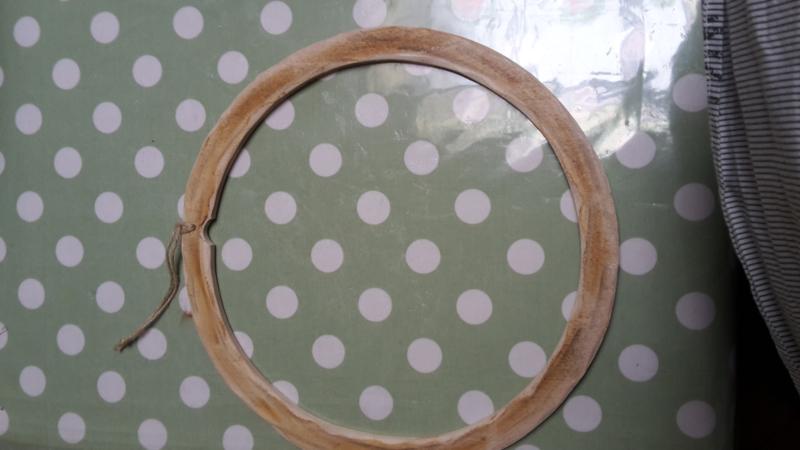 Houten kadertje rond (diam. 20 cm)