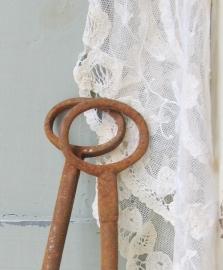 Grote oude sleutels   VERKOCHT