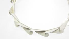 Zilveren collier met gematteerde sckakels
