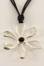 ___261592___ Zilveren hanger bloem met veter