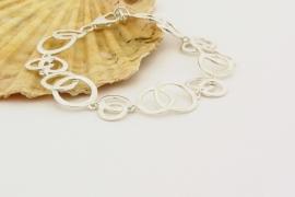 ___261428___  Zilver collier met armband cirkels