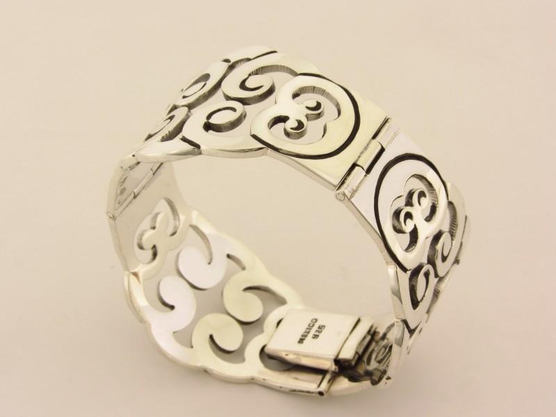 ___210976___ Massieve zilveren armband krullen