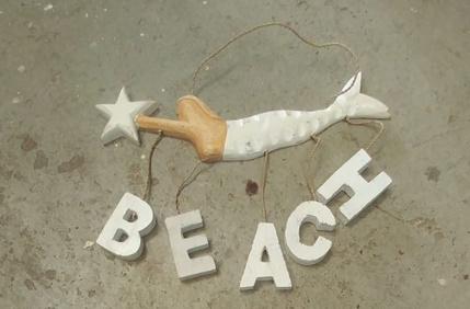 Mermaid wood horizontaal Beach