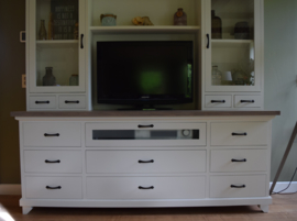 Groot TV-meubel 200 cm br x 200 cm hg, veel praktische bergruimte