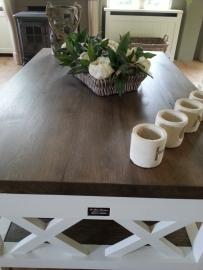 Landelijk witte salontafel met eiken blad, magazineplateau + 2 laatjes 130 cm l. x 85 cm br. x 55 cm hg. XR
