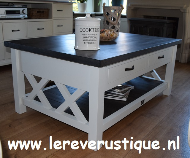 Landelijke salontafel wit met eiken blad, magazineplateau + 2 laatjes 130 cm l. x 85 cm br.  x 55 cm hg. XR