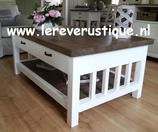 Landelijke salontafel wit met eiken blad, magazineplateau + 2 laatjes  130 cm l. x 85 cm br. x 55 cm hg. CR