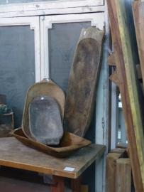 Oude houten troggen