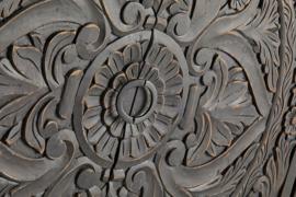 2 deurs kast houtsnijwerk carving