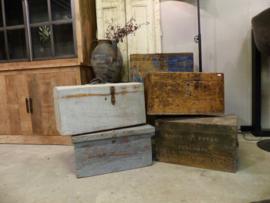 Diverse soorten oude kisten