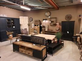 Hal 2 vol vintage en industriële meubelen en accessoires