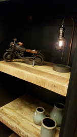 Metalen locker met mango houten planken