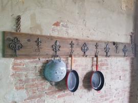 Grenen wandplank met haken 'all purpose'
