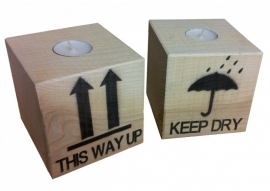 Waxine kaars houder This Way Up / Keep Dry