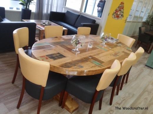ovale tafel sloophout T poten Titus Brandsma wijkcentrum