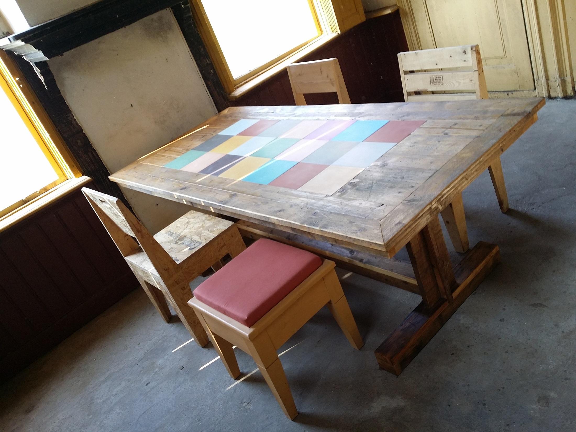 Boeren Bankje Van Steigerhout.Tafels Met Portugese Cementtegels The Woodcrafter