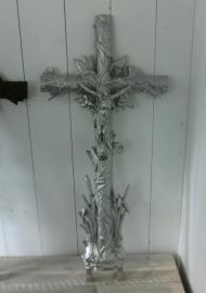 Gietijzeren crucifix (kruis)