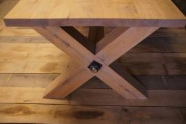 Tafel met kruispoten XL