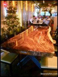 grote dikke Suar tafel in de Epoxy