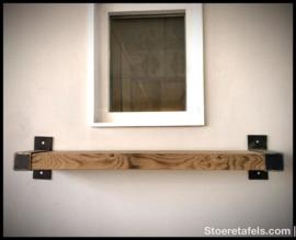 Wandplank 6 cm dik met stalen beugel