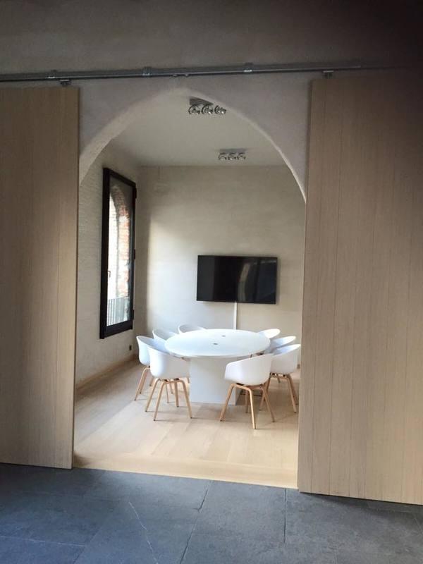 Ovalen bureau