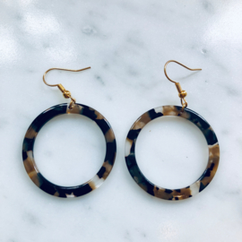 Resin rounds earrings