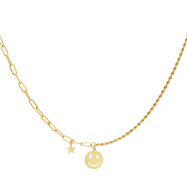 """""""All smiles necklace"""""""