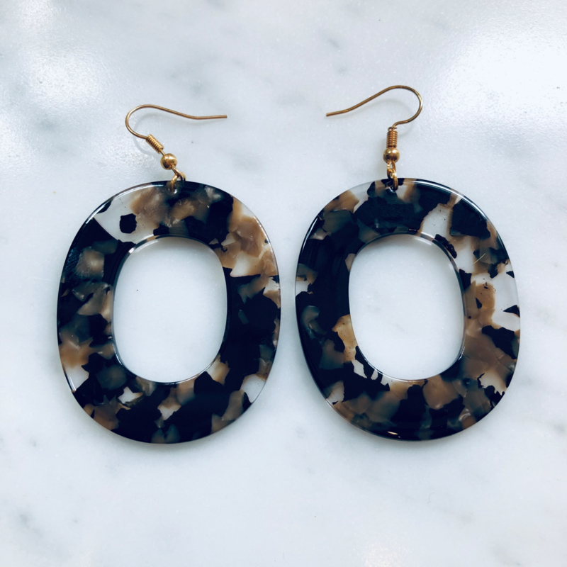 Resin big rounds earrings
