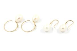Galerie Puur - 18 karaats geel gouden oorbellen met zoetwater parels - 11362