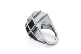 Galerie Puur -  Gezwart zilver architectonische ring - ARCH
