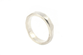 Galerie Puur - Ring zilver met hoekige afwerking - 11032