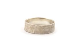 Maja Lava - Zilveren structuur ring smal - 10927