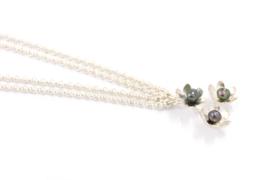 Erwin Borggreve - Collier zilver met trippel parel bloem - 11257