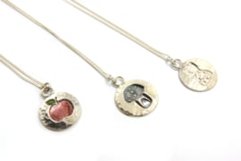 Myjung Kim - Fijn collier met diverse  hangers - 9953