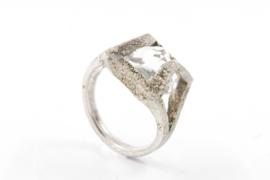 Hans van der Leen - Zilveren ring met bergkristal en gestrooid goud - 10682 HLR164