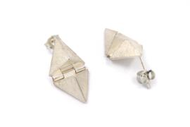 Janneke de Bruin - Oorstekers driehoek scharnieren - 10451