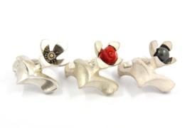 Hans van der Leen - Zilveren ring met bloed koraal roos - 10696 HLR198