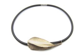 Janneke de Bruin - Rubber collier met gevouwen zilveren collier - 10449