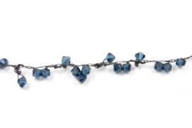 Hester Zagt - Geknoopt collier met donkerblauwe swarovski - 11200